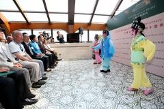 主禮嘉賓以及一眾大澳居民及好友,一同欣賞「查篤撐兒童粵劇協會」的小朋友表演粵劇,繼續鼓勵文化傳承。